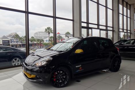 2013 renault clio 2 0 rs sport red bull edition hatchback woodmead auto high performance. Black Bedroom Furniture Sets. Home Design Ideas